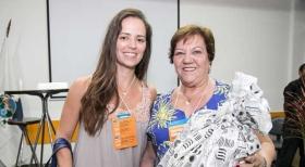 Taisa Ferreira, do Cond, Quartier Carioca, recebe o brinde de Marly Barrozo